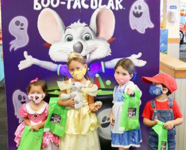 Chuck E Cheese Boo-Tacular (4)