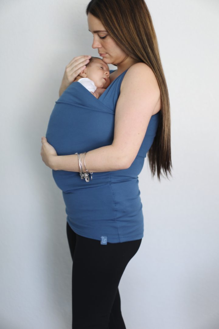 11493dd76 The Soothe Shirt features are: an easy-to-use pouch that calms newborns, a  built-in nursing bra which makes breastfeeding super convenient, an inner  mesh ...
